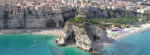 8 zile în Calabria la 130 euro/p (hotel+avion)